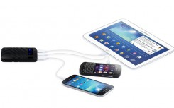 Avanca Powerbar Pro 9000 mobile emergency charger or powerbank charge up to 3 devices - smartphones and tablets